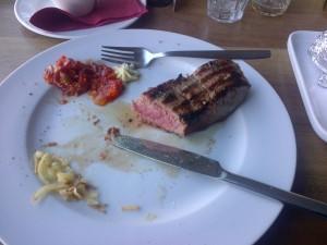 Restoran Mu - prepečeni steak s krivim nožem